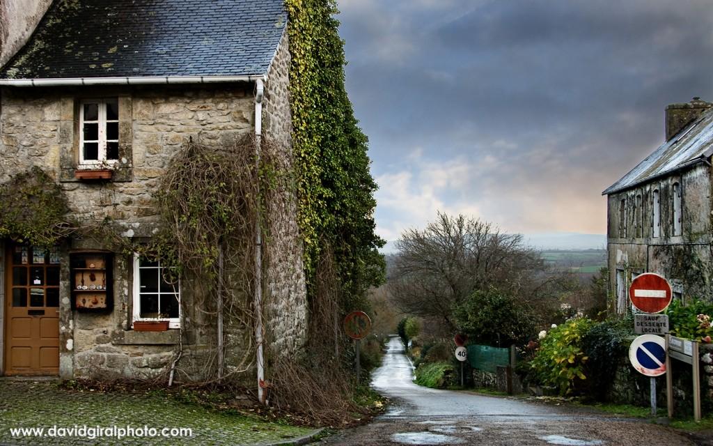 La maison au coin de la rue, Locronan, Bretagne, France