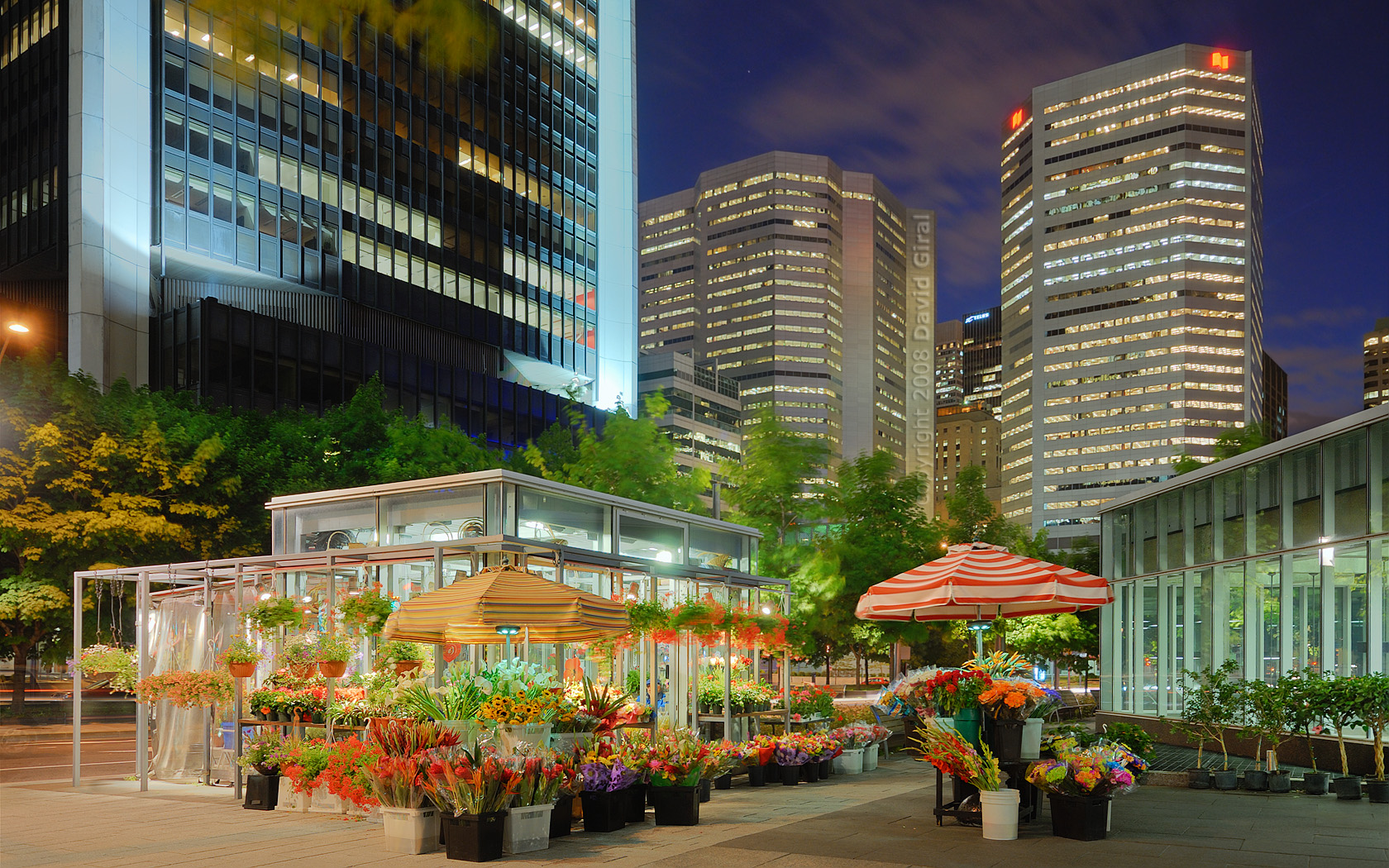 Exploring Montreal: Blue Hour at Square Victoria &#8211; Financial District