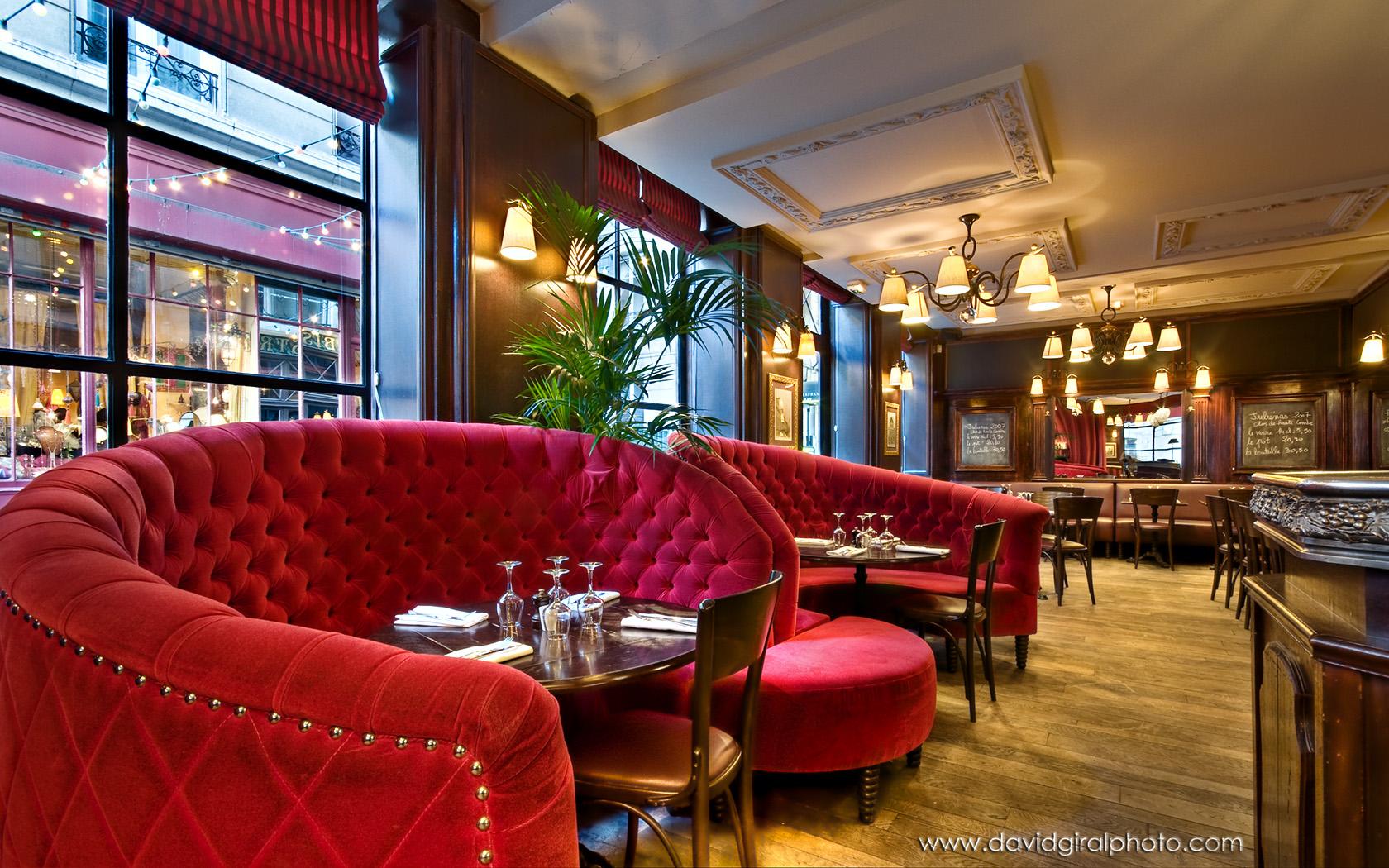 Interior relais odeon bistrot restaurant by