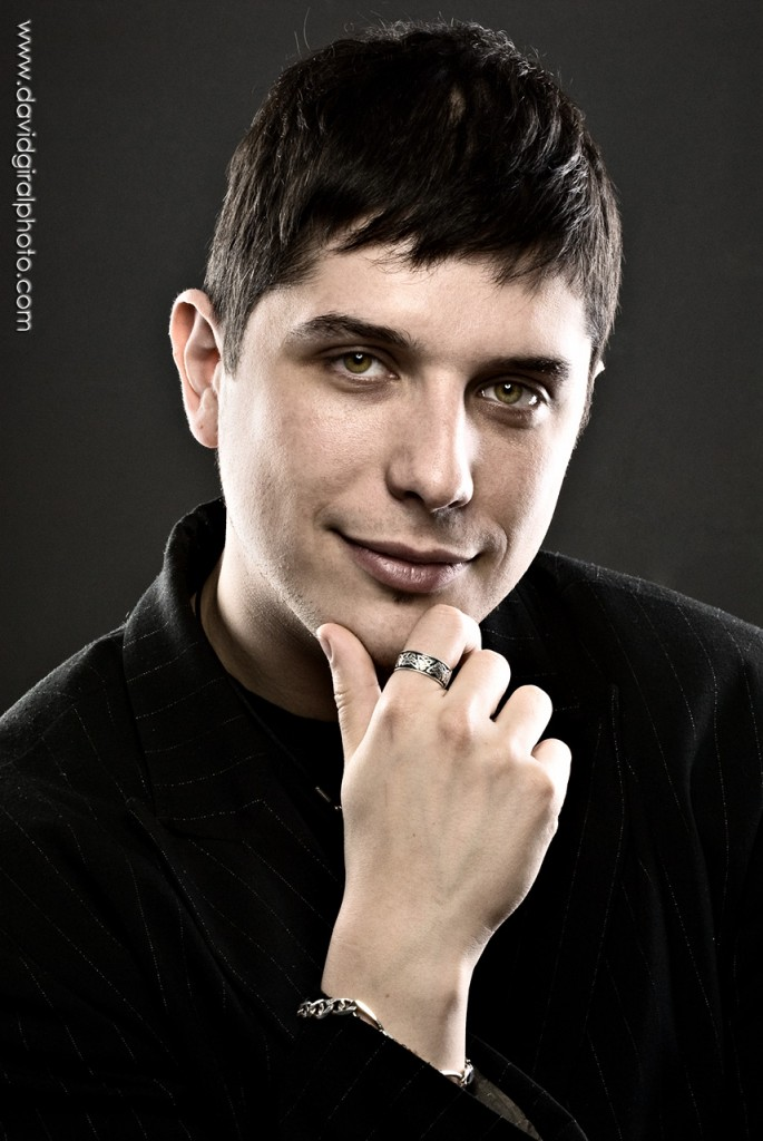 Headshot: portrait of Ze'ev - hypnotist, Montreal | by David Giral