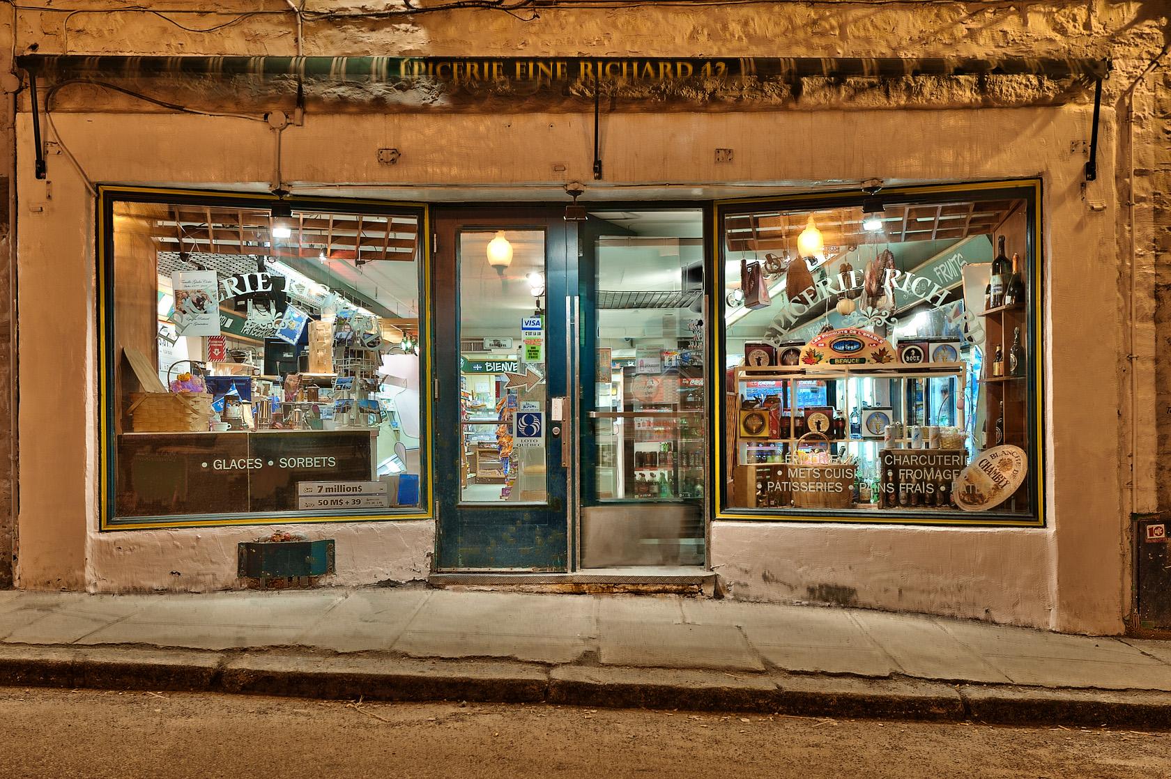 exploring quebec city blue hour on the city heure bleue sur la ville david giral. Black Bedroom Furniture Sets. Home Design Ideas