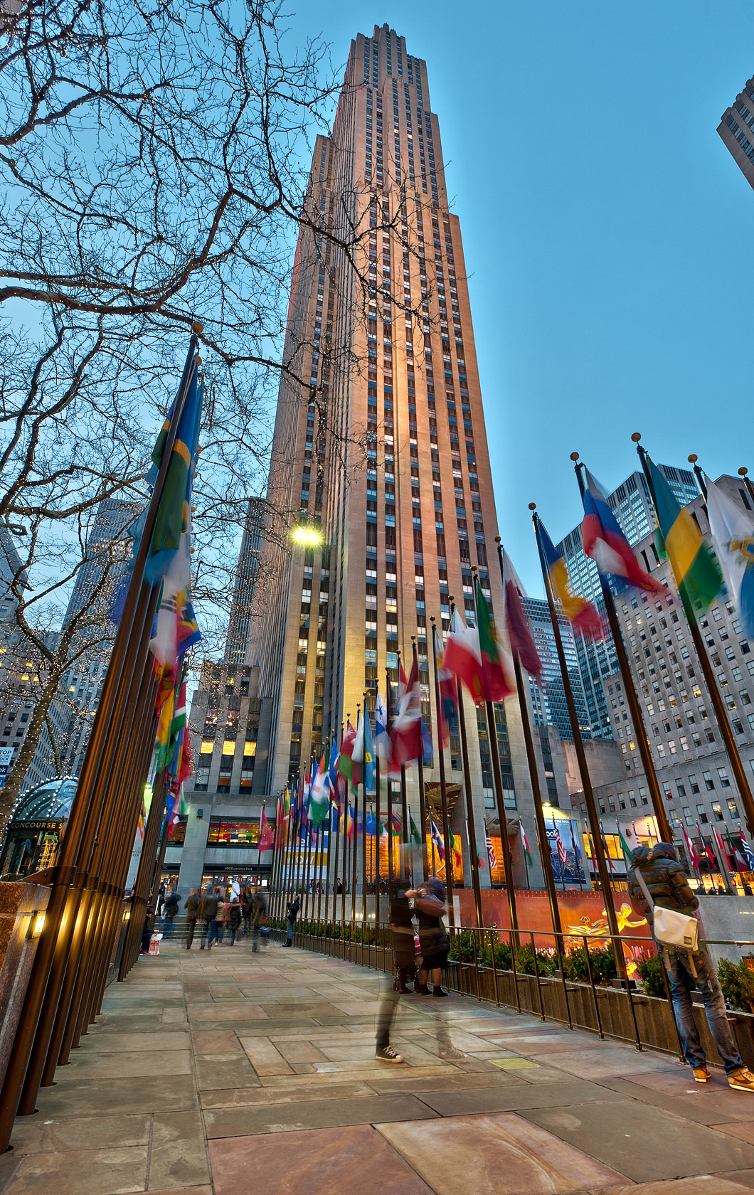 Rockefeller Center: To...