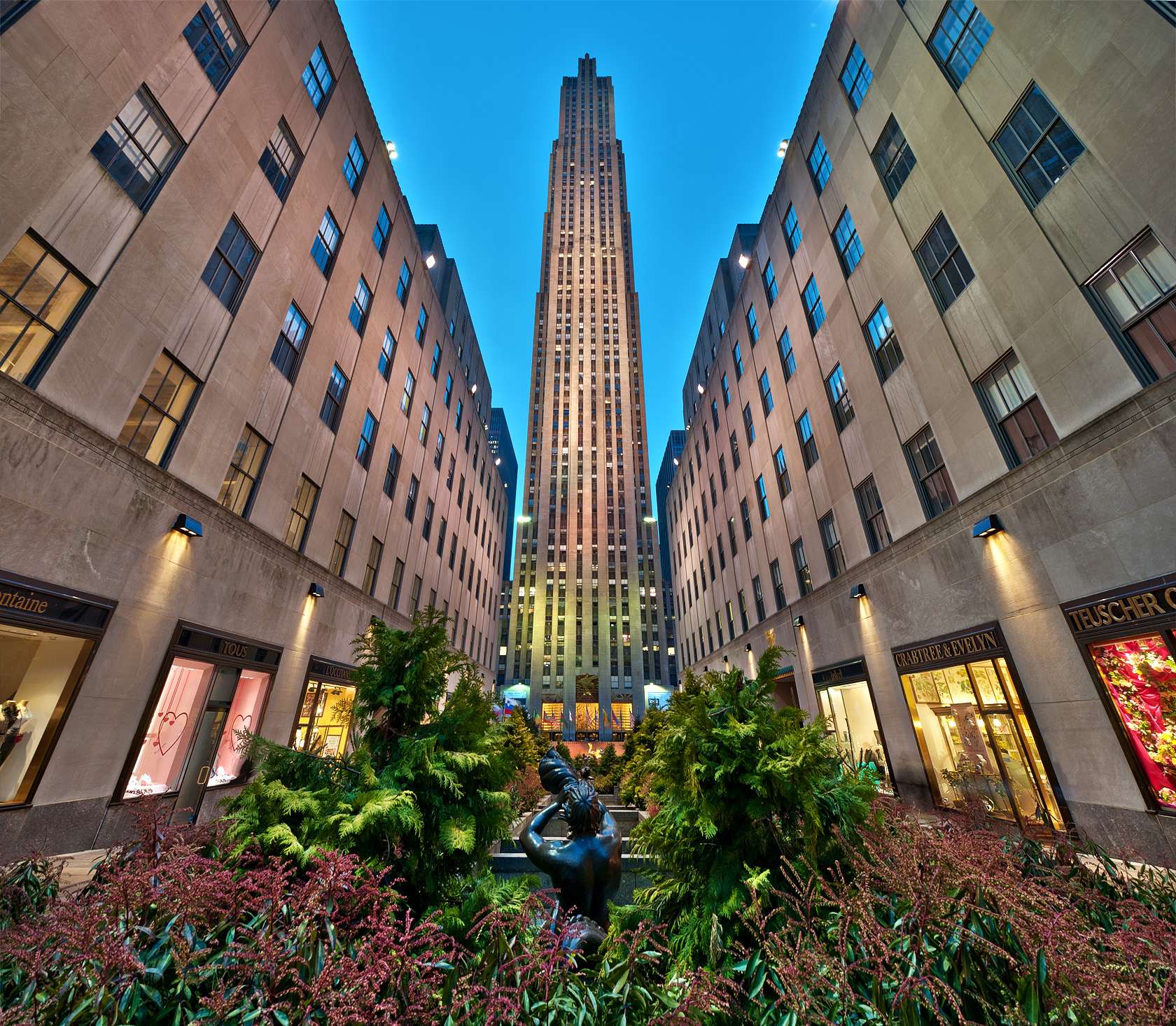 NYC-rockefeller-center-dusk-view-panorama-crabtree-and-evelyn-web