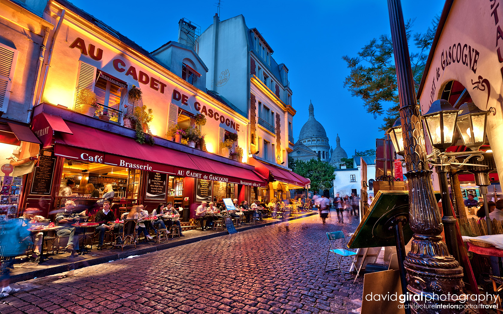 Travel exploring paris montmartre restaurant au cadet de for Le miroir restaurant montmartre