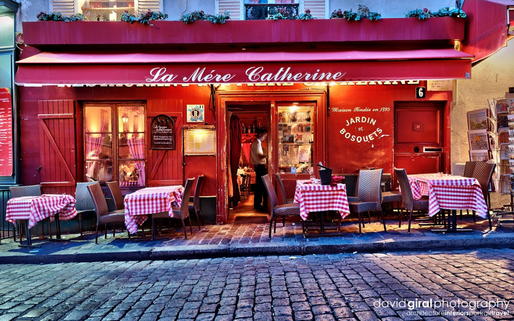 Travel exploring paris montmartre restaurant la mere for Paris restaurant