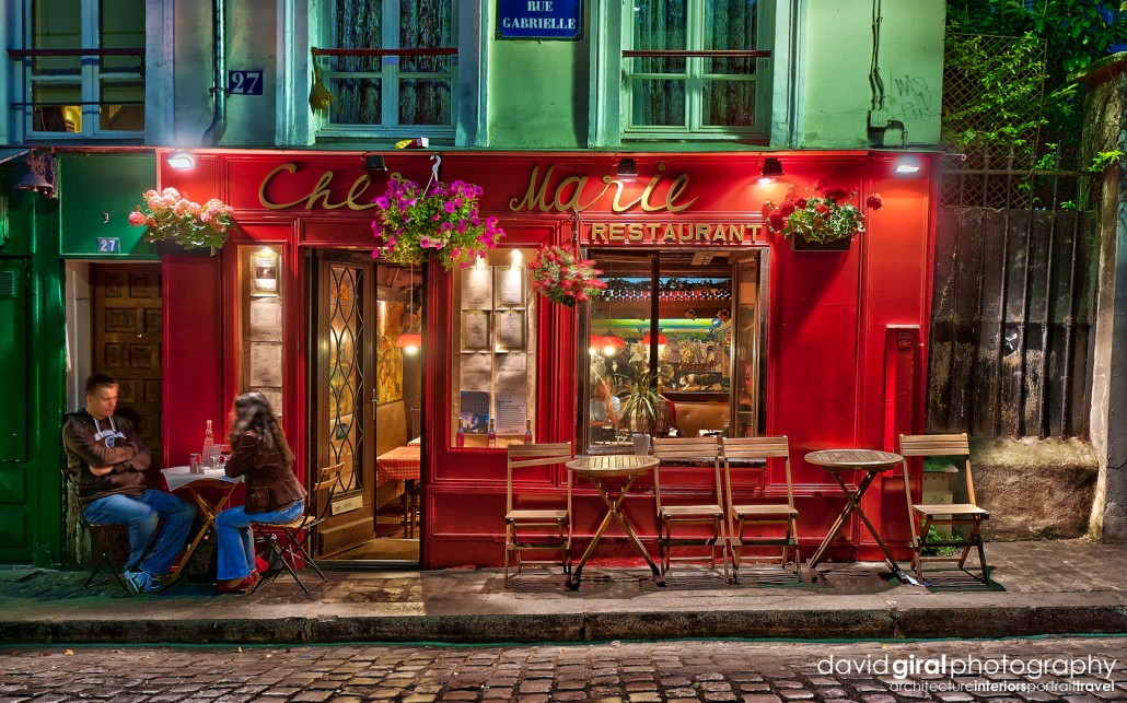 Exploring Paris: The romantic terraces of Montmartre at night