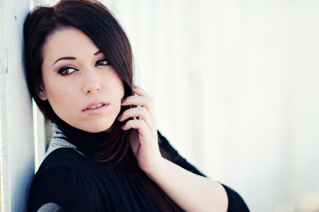 portrait-actress-headshot-montreal-audrey-nikkor-135mmF2DC-03