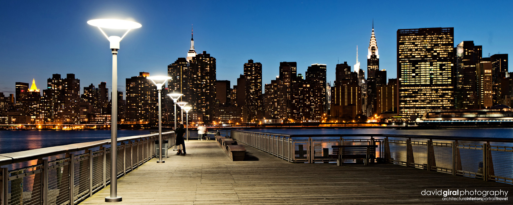 05-dgiral-gantry-park-long-island-queens-nyc-skyline-night-panorama