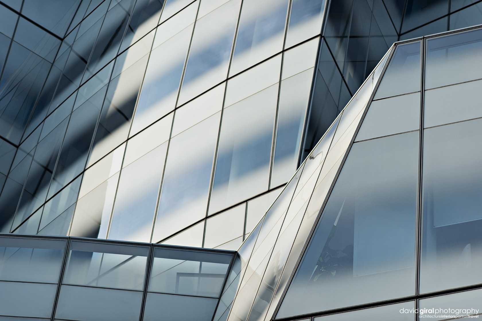 IAC Building abstract by architect Frank Ghery Nikon D800 + Nikkor 135mm f/2 DC | ISO160 - 1/1600s - F/3.5