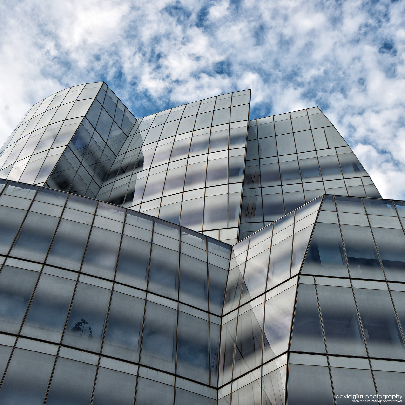 exploring new york city stunning architecture with iac building by frank ghery david giral. Black Bedroom Furniture Sets. Home Design Ideas