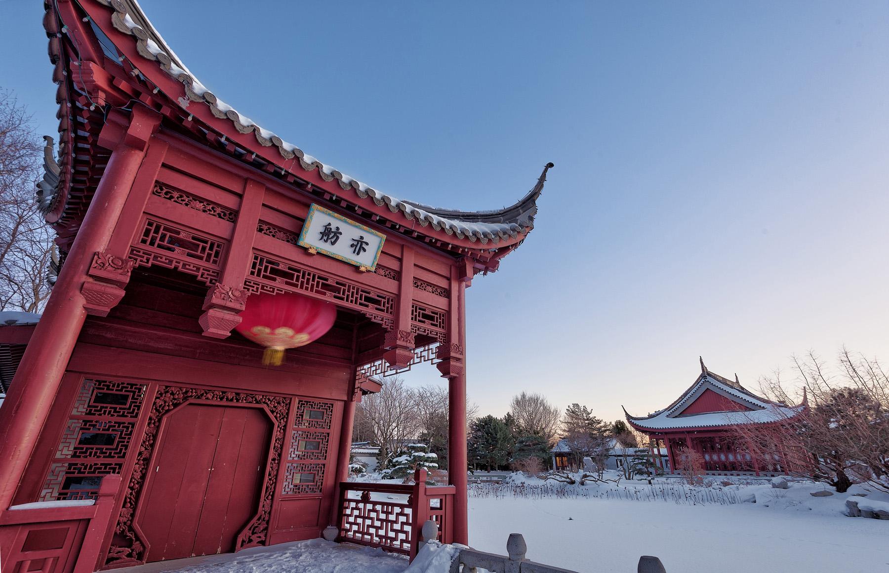 editorial-travel-montreal-botanical-garden-snow-winter-dusk-003