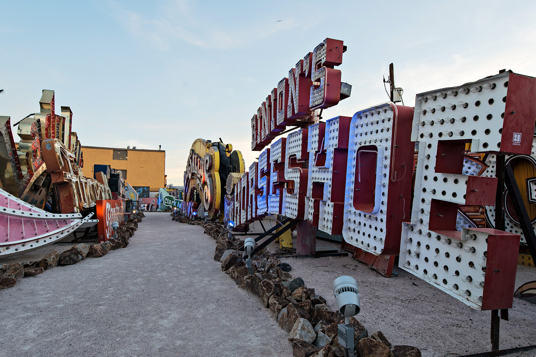 editorial-travel-photography-las-vegas-neon-museum-006
