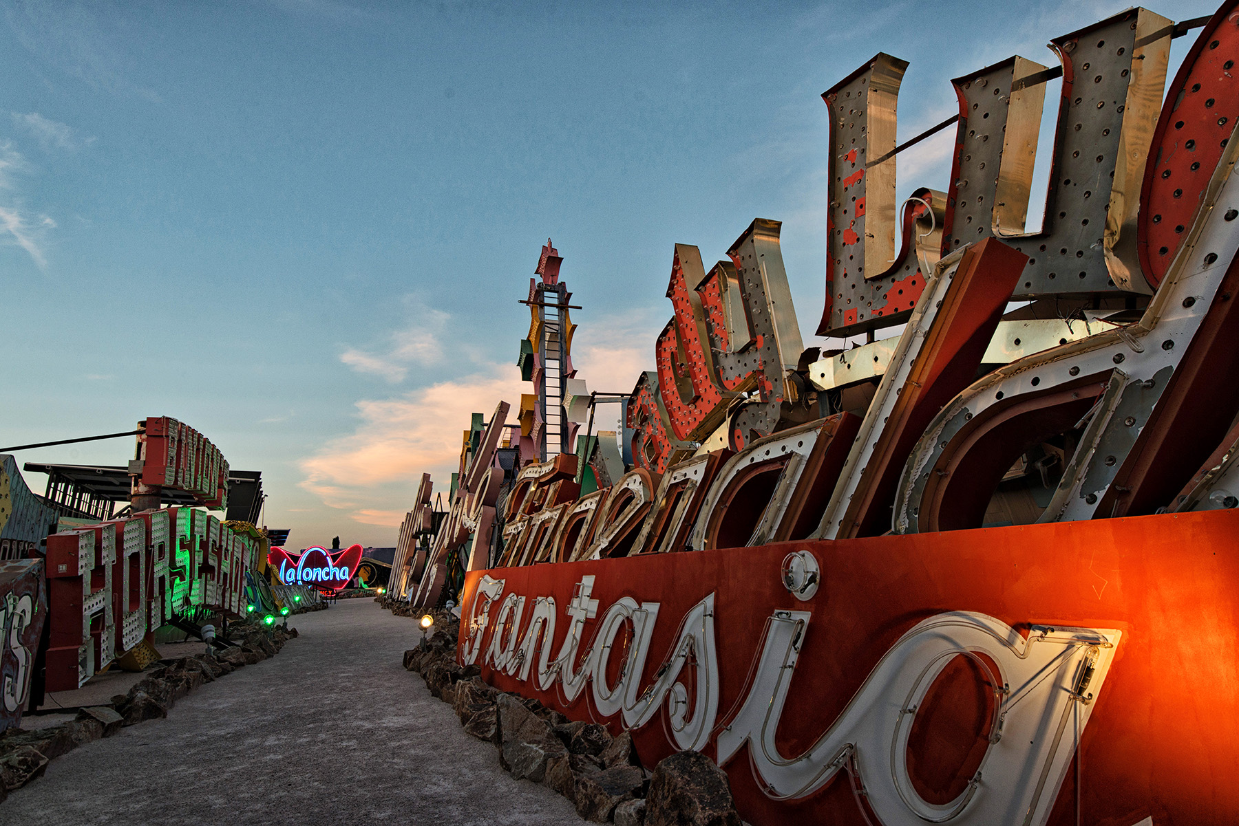 editorial-travel-photography-las-vegas-neon-museum-014