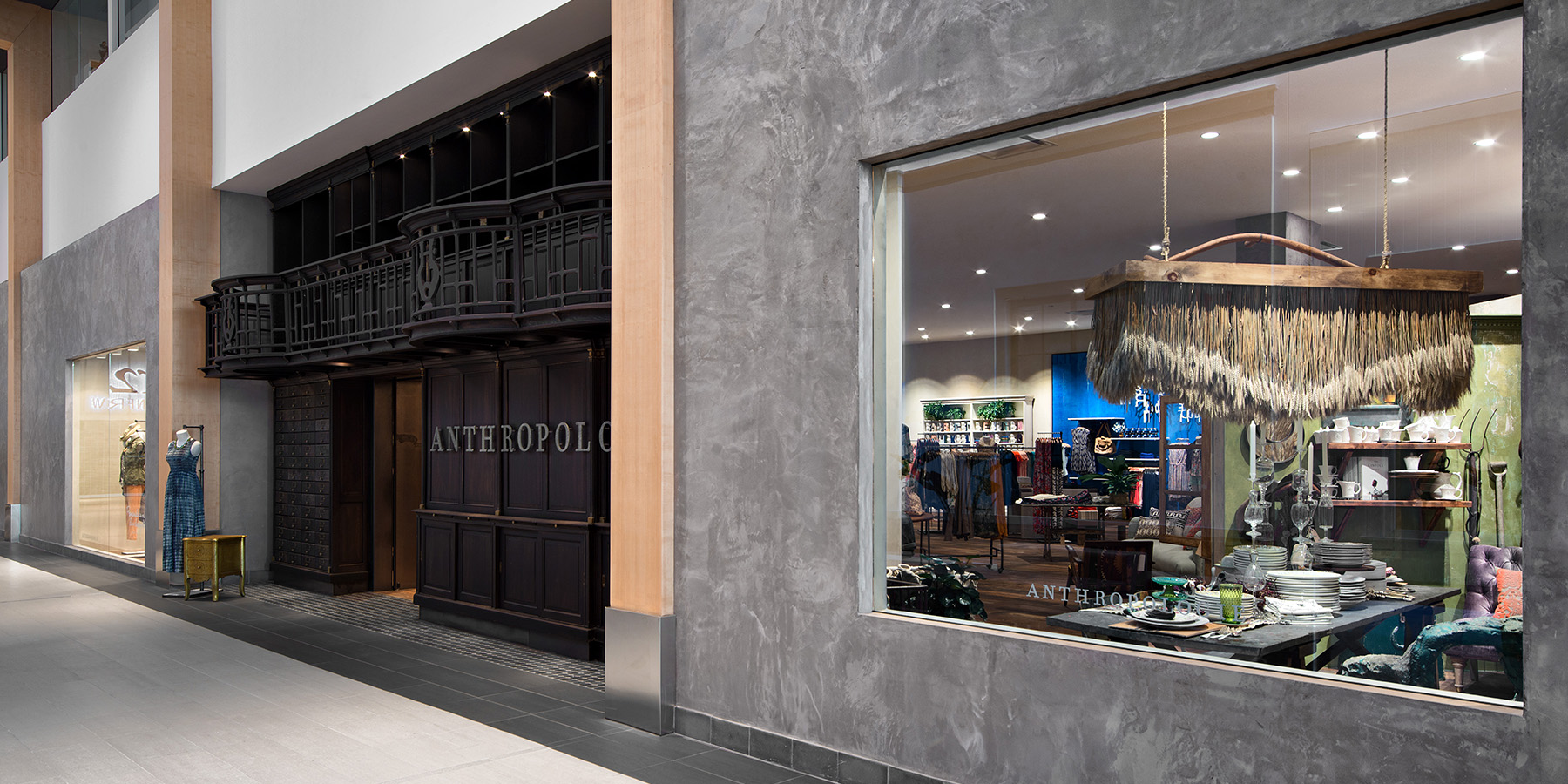 retail-interiors-photography-montreal-anthropologie-clothing-store-01