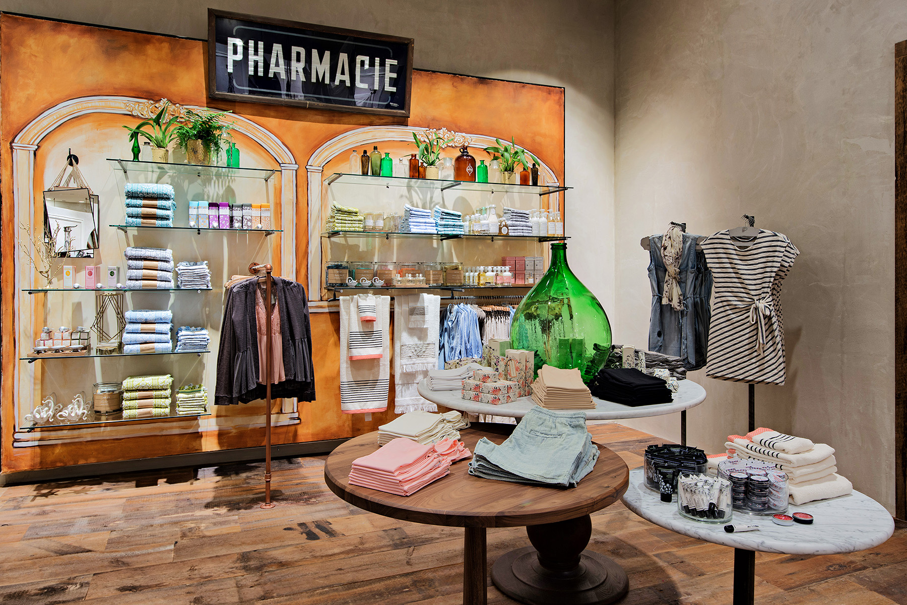 retail-interiors-photography-montreal-anthropologie-clothing-store-06