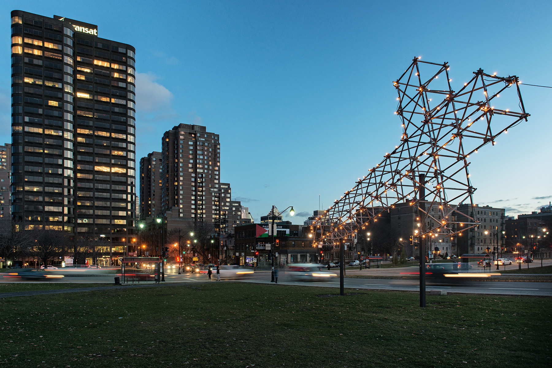 public-art-photography-RepliqueCroixMontRoyal-DSC_6260